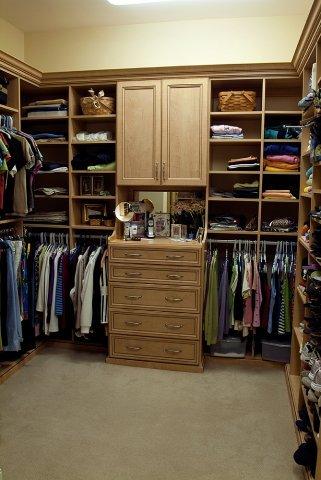 2010_Closet1