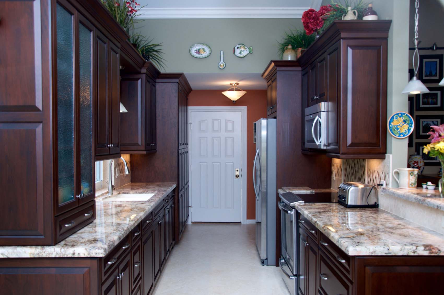 DSC_1100traditional-kitchen-cabinet