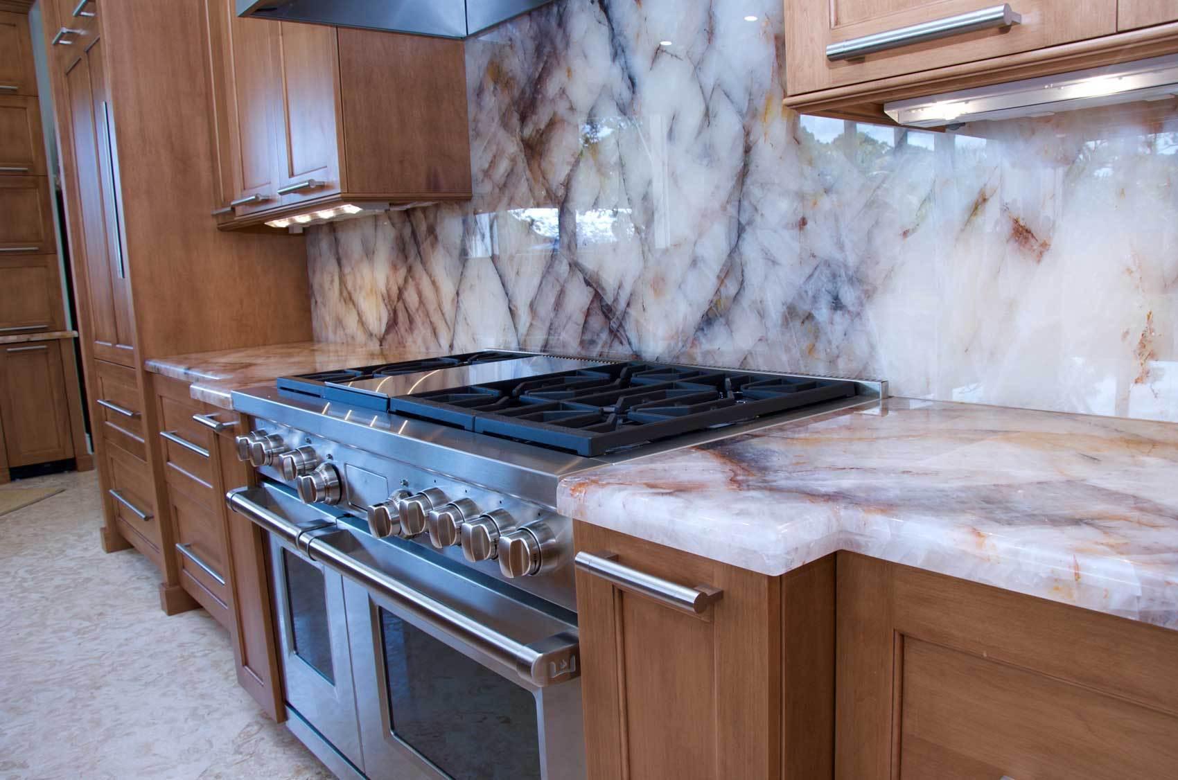 Transitional-kitchen-cabinetry-DSC_0282-2
