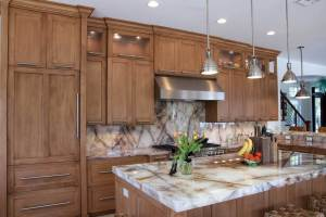 Transitional-kitchen-cabinetry-DSC_0298-3