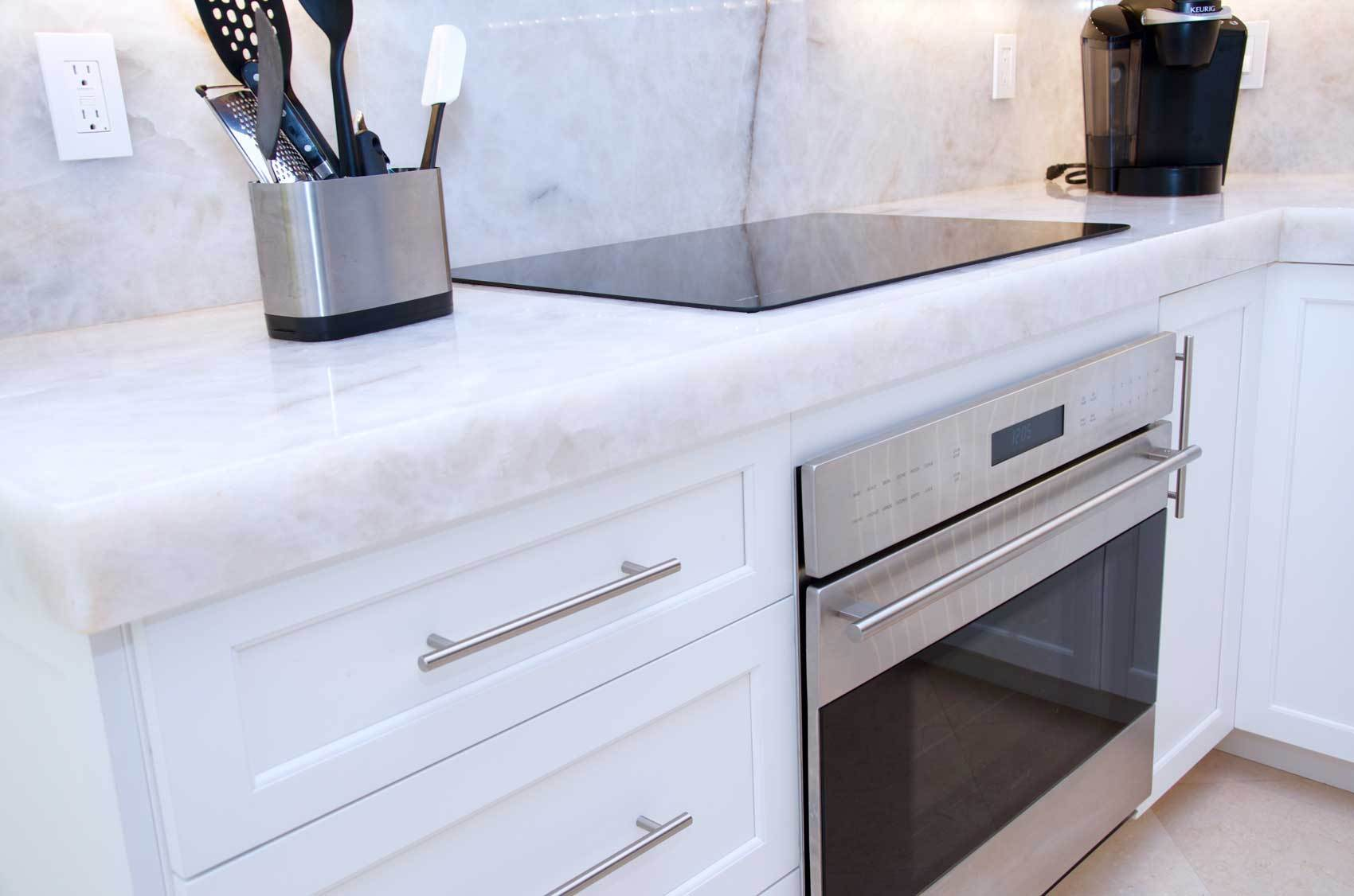 transitional-kitchen-cabinetry-DSC_9809