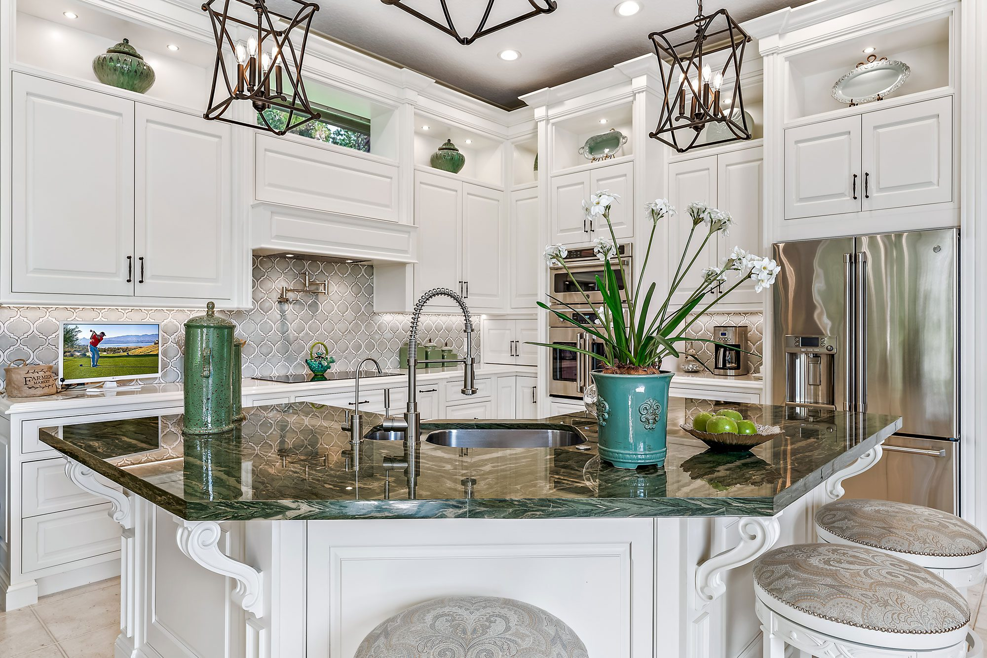 Custom Kitchen Cabinetry and Design